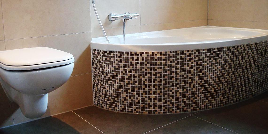 Verbouw badkamer zaltbommel van der vliet aannemers afbouwbedrijf - Mozaiek blauwe bad ...